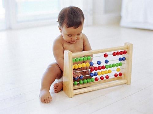 Đồ chơi bé 1 tuổi ưu tiên lựa chọn hình khối