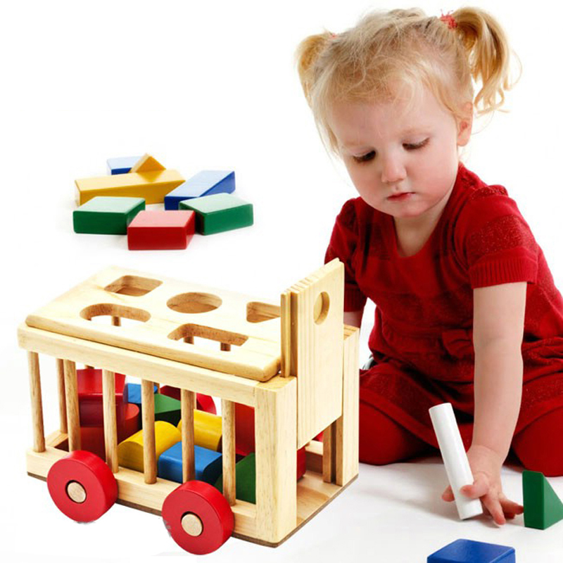 Đồ chơi bé 2 tuổi nên quan tâm chất lượng và màu sắc