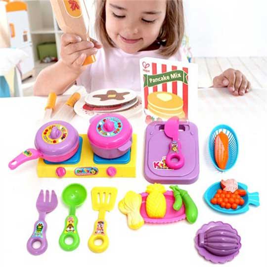 Bộ đồ chơi nấu ăn mua tại vườn trẻ thơ